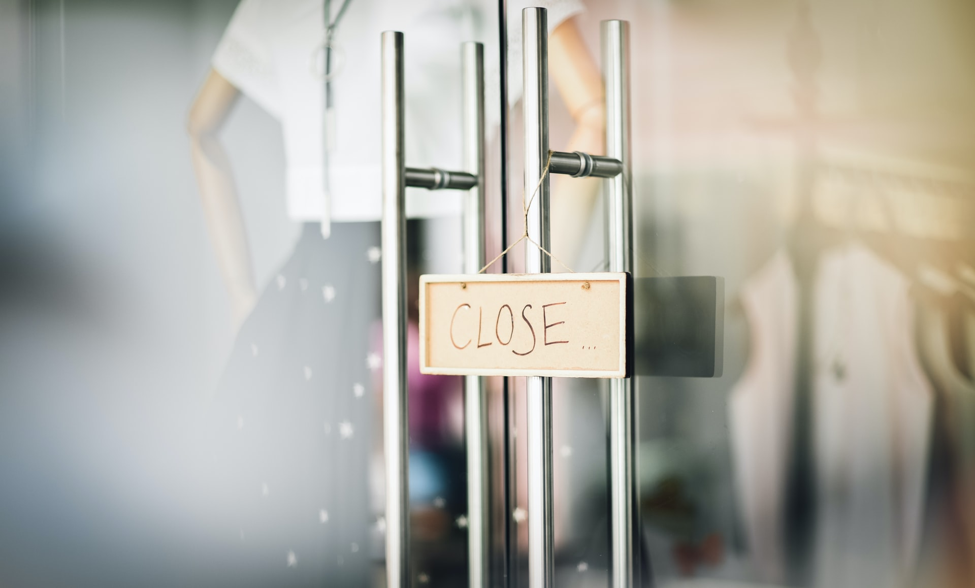 Top 5 Warning Signs It's Time to Close Your Business and Move On