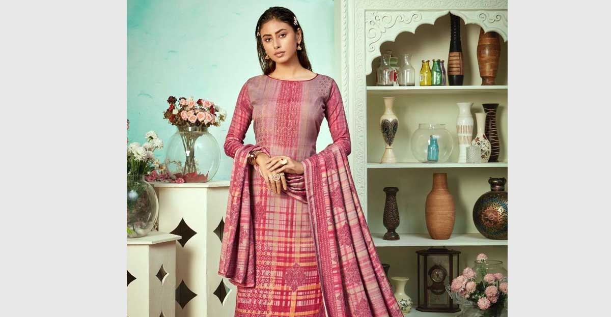 Read more about the article Top 8 excellent Fashion Designs In Pakistani Salwar Kameez 2021